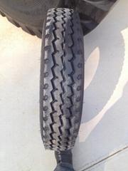 900R20载重卡车轮胎
