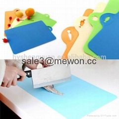 Anti-slip Antimicrobial factory direct thin plastic cutting mat with non-slip