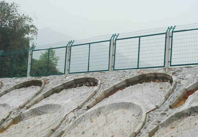 金属网片防护栅栏 3
