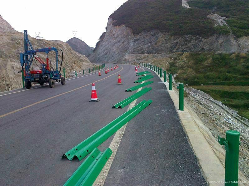 Three Waves Galvanized Steel Highway Guardrail 5