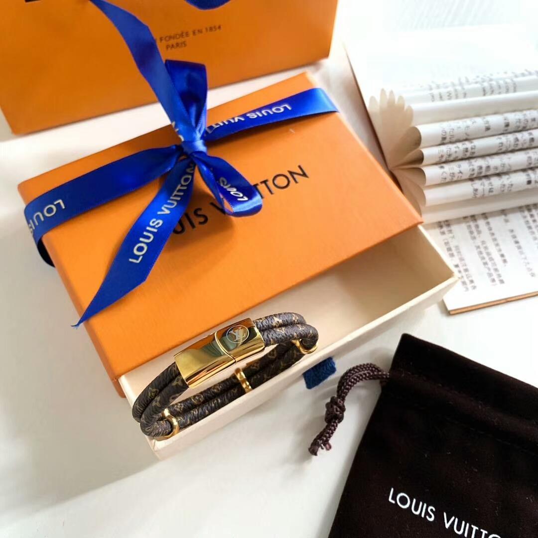LV bracelet with lock adjustable circle 3