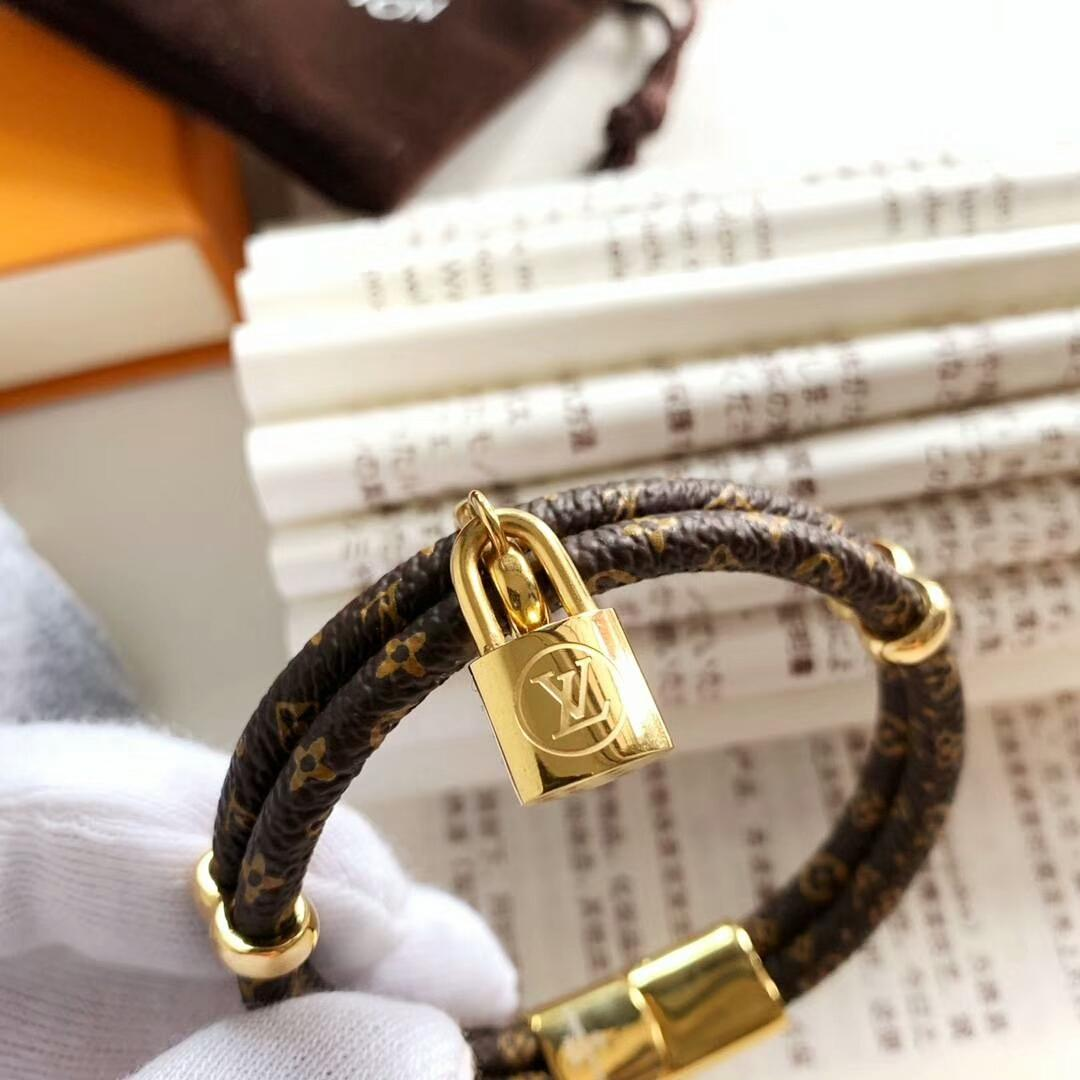 LV bracelet with lock adjustable circle 2