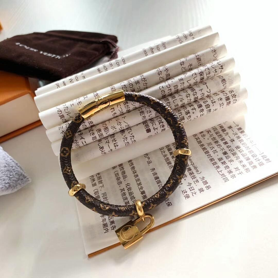 LV bracelet with lock adjustable circle 1