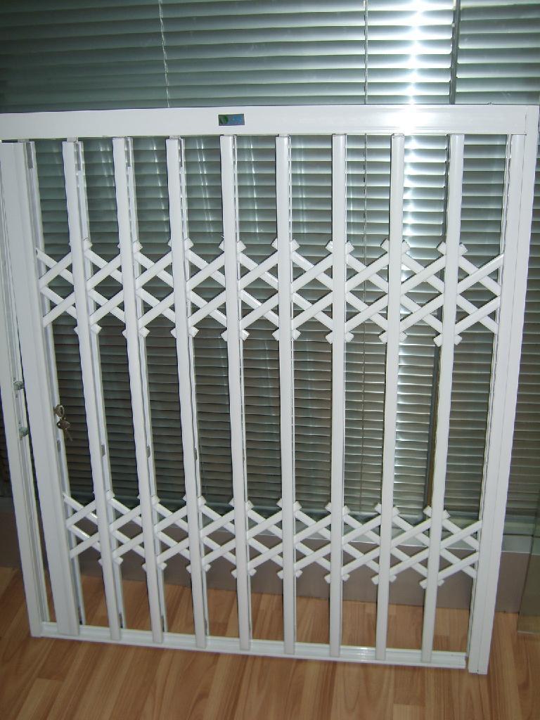 合肥彩鋼彩鋁鋅合金防盜門窗 5
