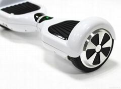 深圳路帝科技高品質電動自平衡滑板車