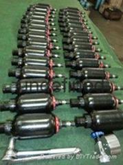 防水蓄能器