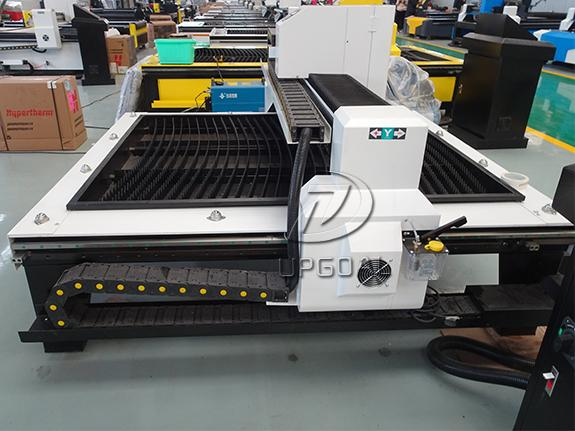 The whole machine bed adopts welded steel structure