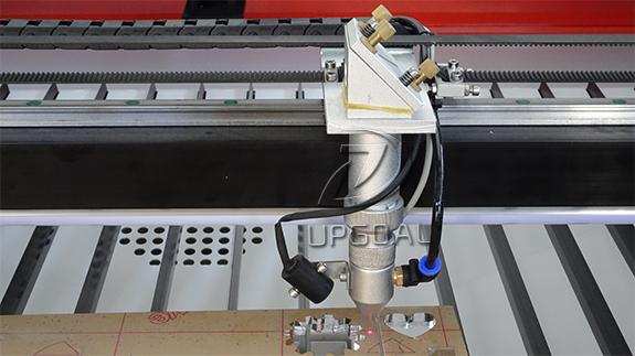 Co2 laser head with infrared positioning