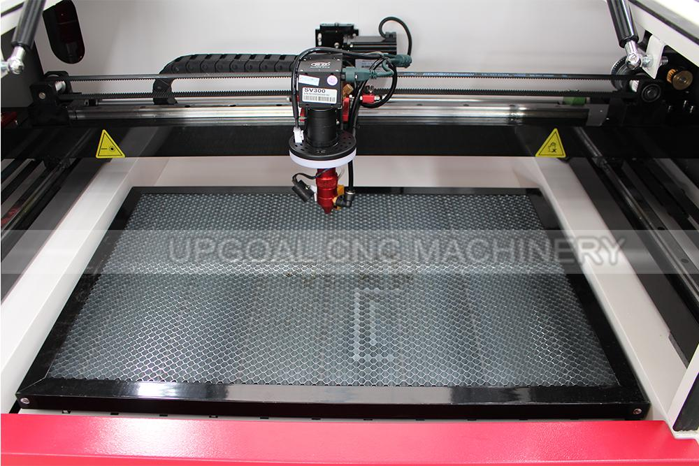 Small CCD Co2 Laser Cutting Machine for Woven Label/Printed Label 12