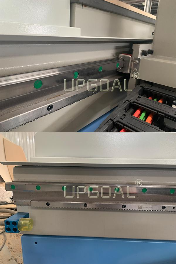 Hot Sale China 1325 Woodworking Furniture ATC CNC Router Machine Disc Type 14