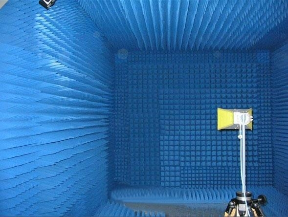微波暗室1