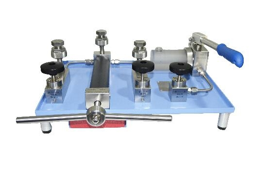 HS710 Hydraulic Pressure Calibration Pump 1