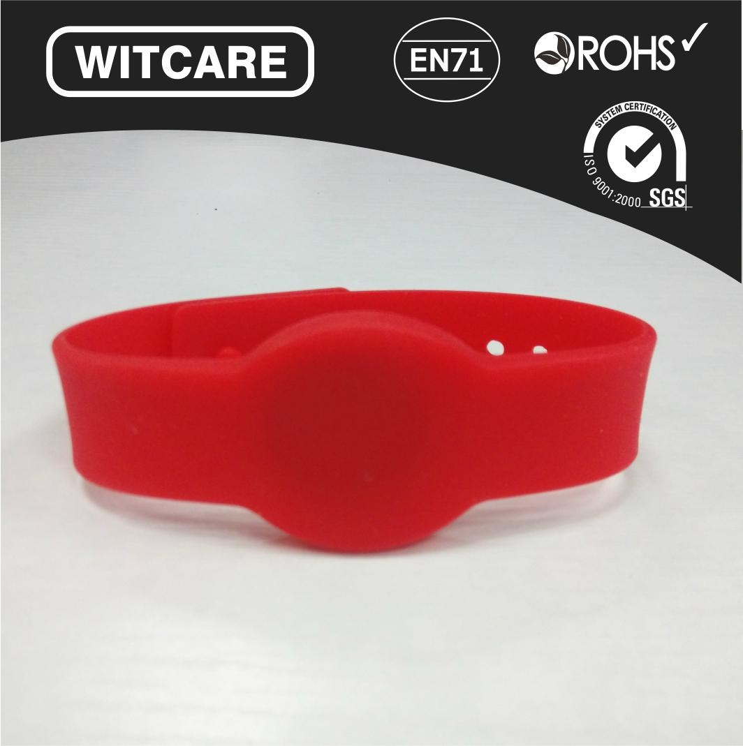 Adjustable13.56MHz Waterproof RFID Wristband for Access Control  1