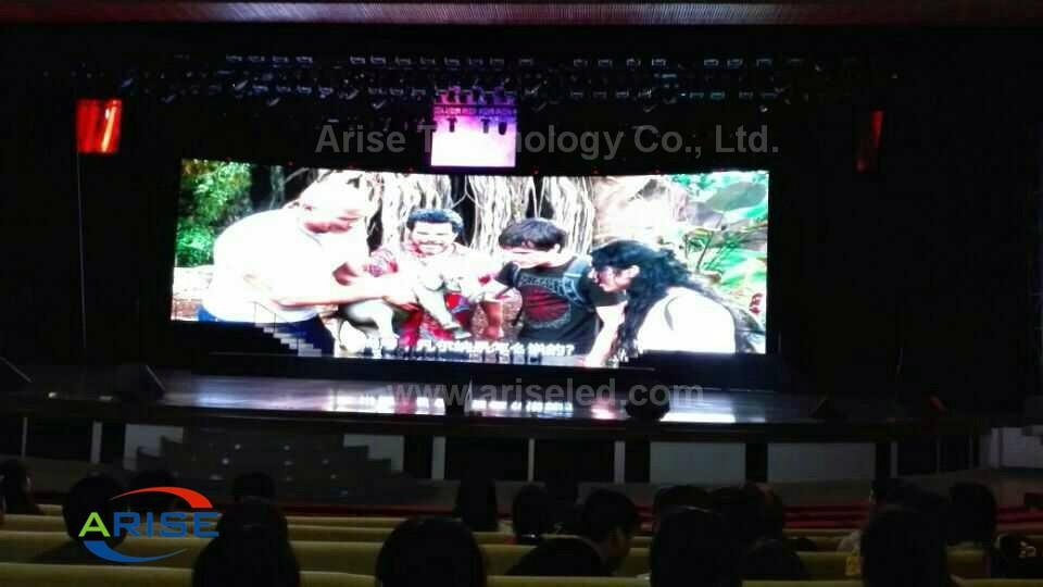 256*128mm SMD2121 P4 Indoor LED Display Screen  1
