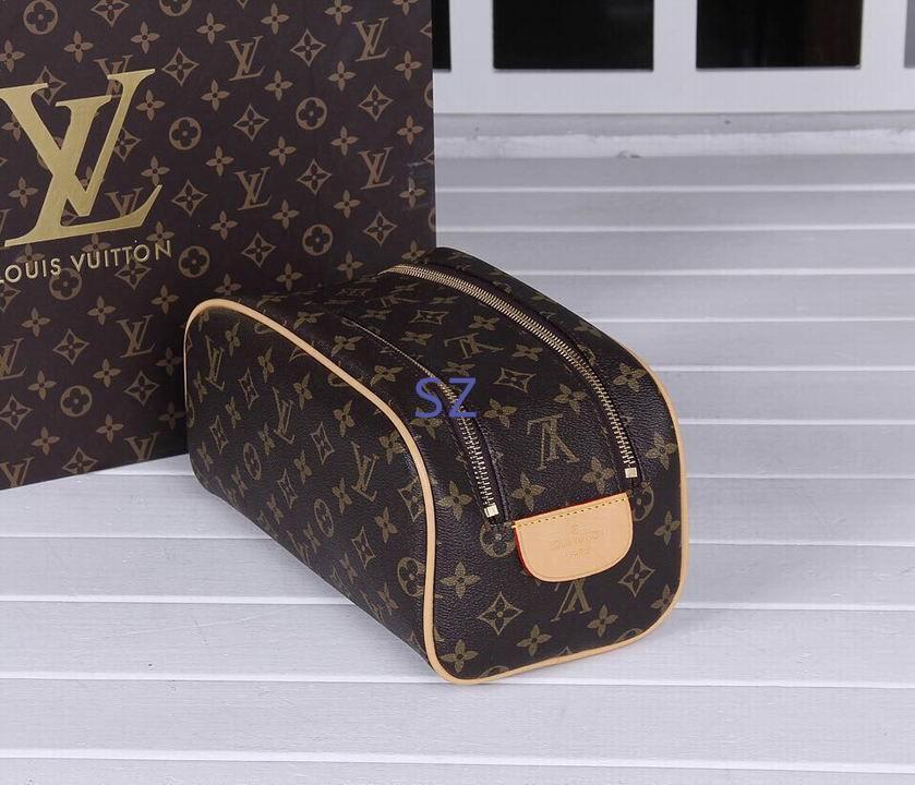 Louis Vuitton Toiletry Pouch 26 Monogram Cosmetic Bag  Parfums lv purse bags