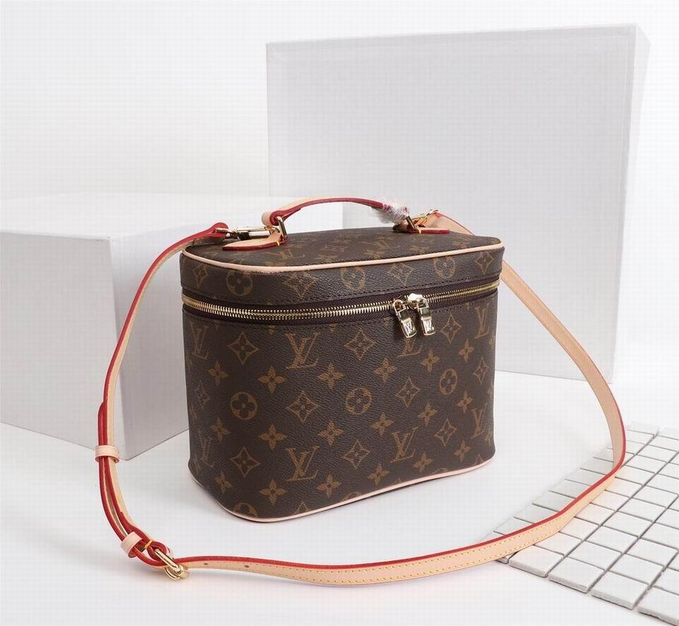 Wholesale Louis Vuitton Cosmetic Pouch Make up Bag lv wallet