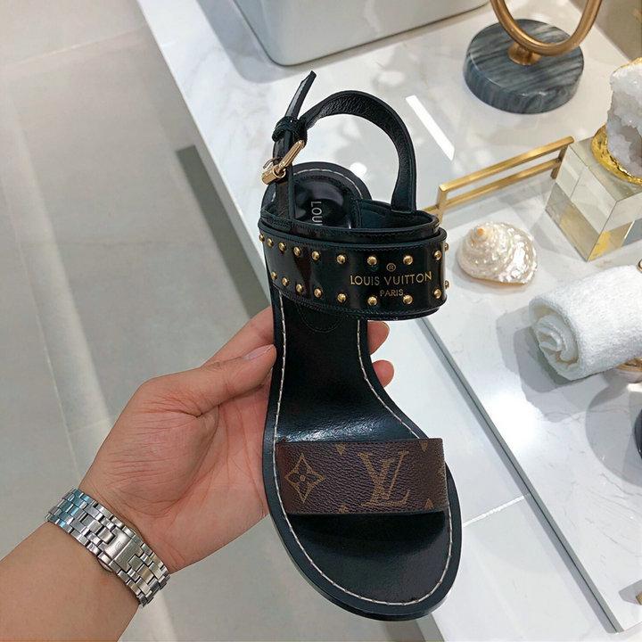 lady flat mules flip flops LV sandals fashion LV shoes footwear rivet sandals