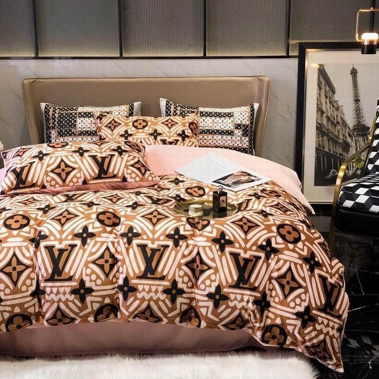 Louis vuitton duvet cover lv monogram bed sheets LV satin bedding sets lv bed cover