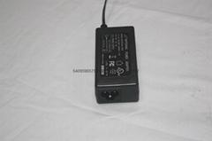 24W恆壓電源適配器
