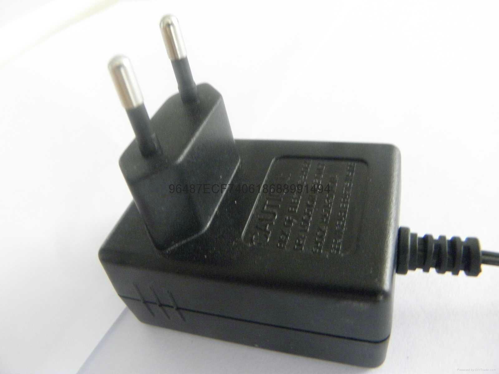 電源適配器  4