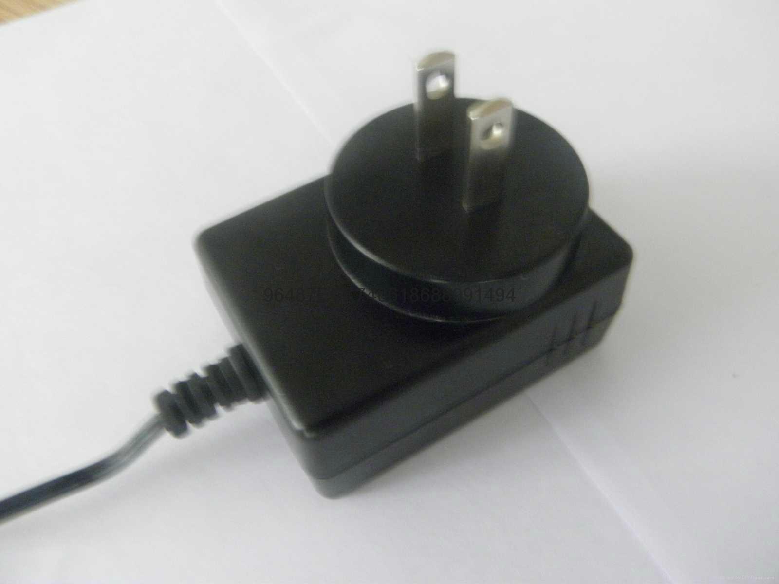 電源適配器  3
