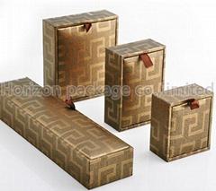 Elegant plastic jewelry box