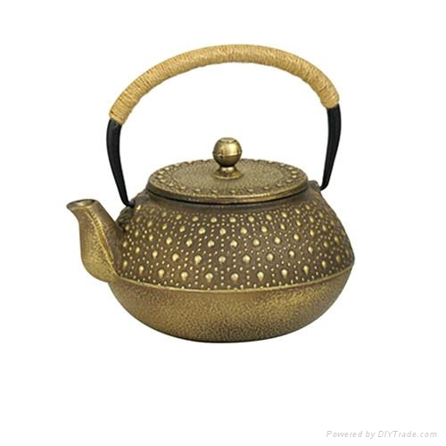 Antique Cast Iron Teapot 1