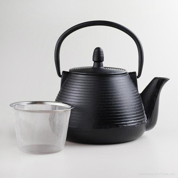 Black Cast Iron Teapot 1