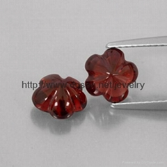 Natural Gemstone Garnet cutting