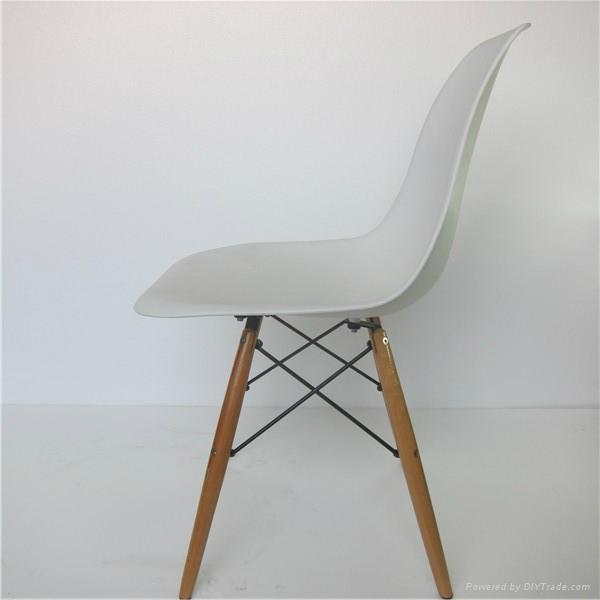 Fiberglass DSW Chair 5