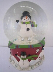High quality Resin wedding snow globes for home deoor& snow globe&water globe