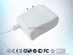 12V1A白色美规电源适配器