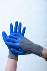 13针涤纶灰纱蓝乳胶半挂起皱工作手套