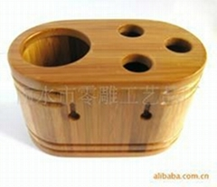 Bamboo tooth container