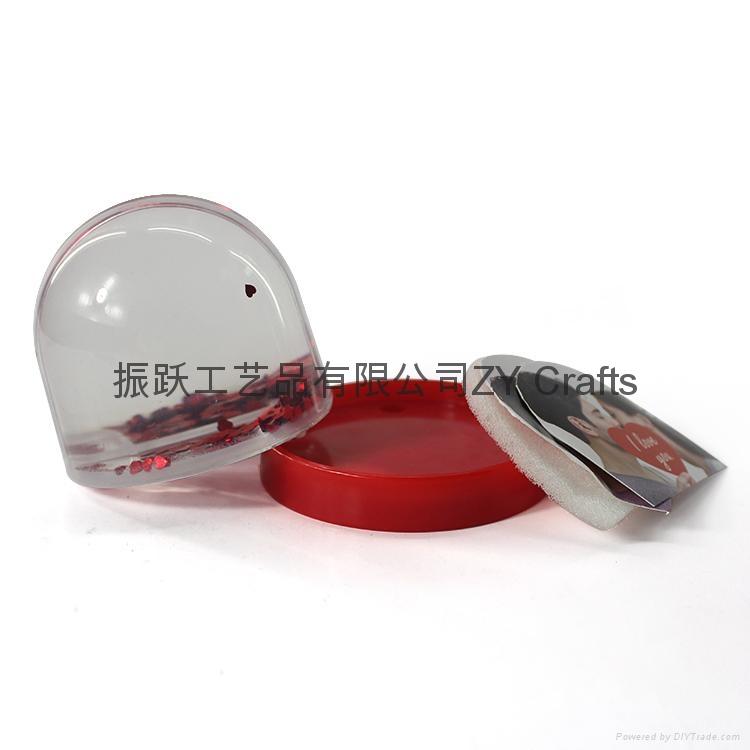 High Quality Plastic Snow Globe With Photo Insert 4