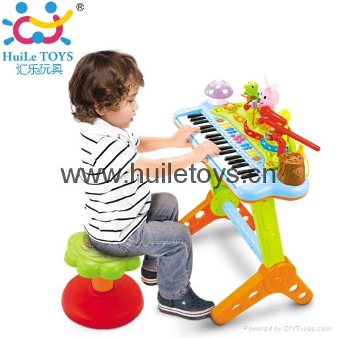 HUILE Funny Playing and Learning Electronic Keyboard 1