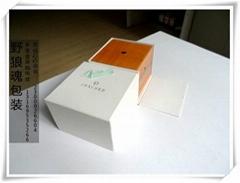 翻盖样式的木制喷漆手表盒