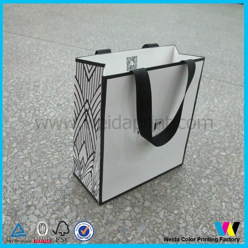 服飾購物紙袋 1