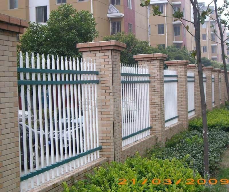 供应高质量铁艺围栏 5