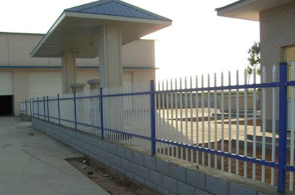 供应双横梁护栏 1