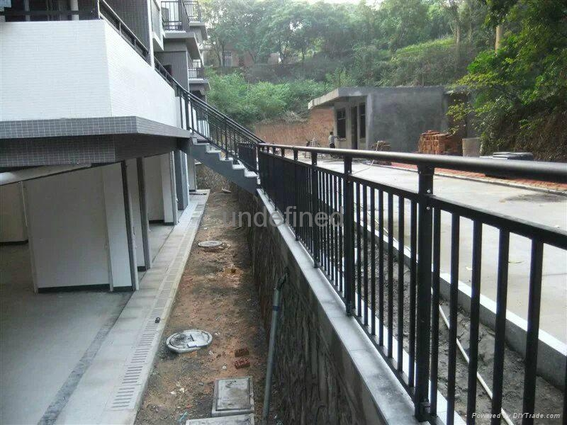 深圳红顺缘锌钢建筑材料护栏 2