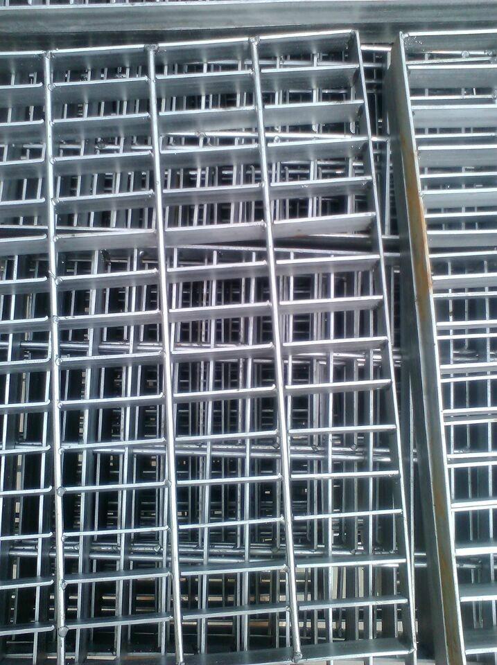 供应压焊钢格板 1