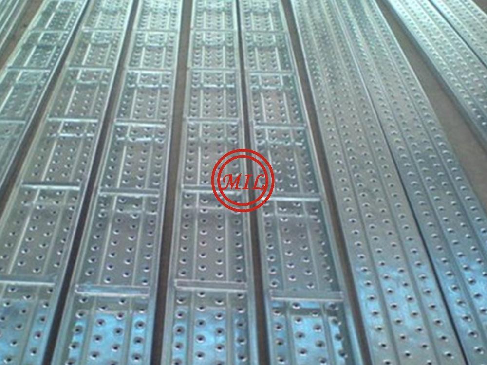 Steel scaffolding walking paddle