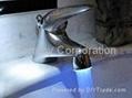 LED发光水龙头 4