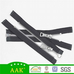 5# zinc alloy open end with AAK P204 puller auto lock slider zipper