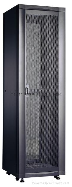 RAL 7035  42U 600W*600D*2000H aluminum ventilation network racks with 1500kgload 1