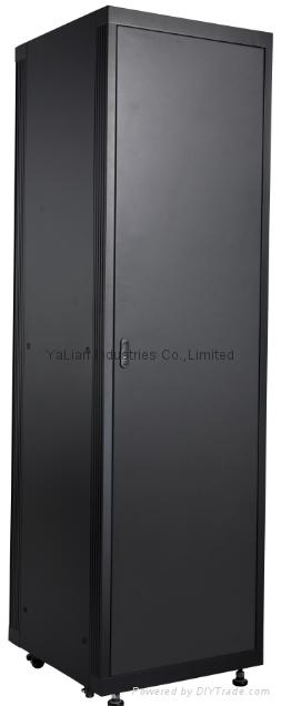 RAL 7035  42U 600W*600D*2000H aluminum ventilation network racks with 1500kgload 2