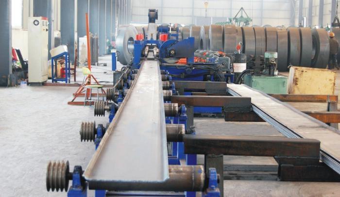 国标单梁起重机盖板一次成型生产线