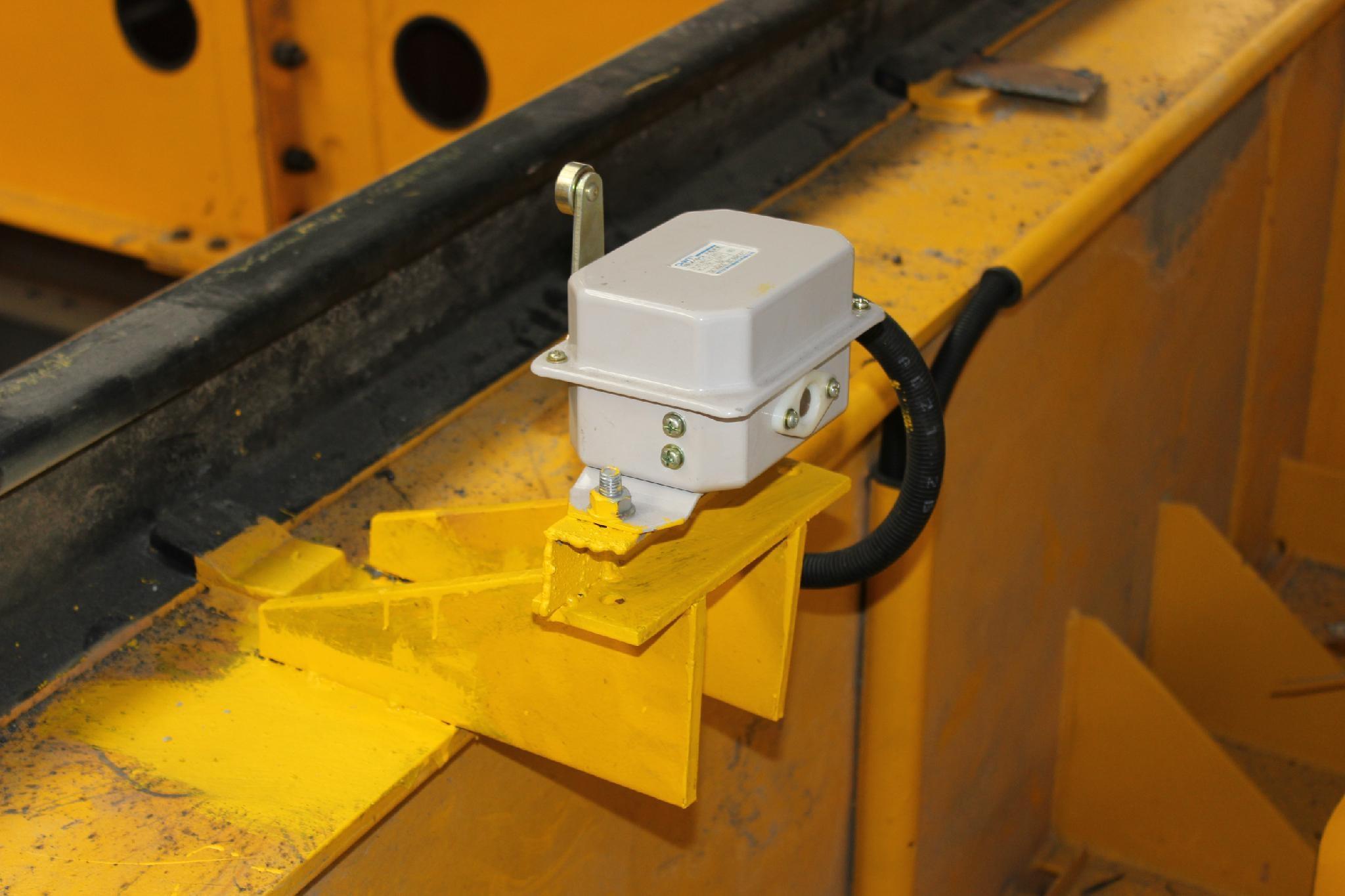 电动双梁起重机限位装置