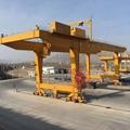 集装箱门式起重机-集装箱装卸专